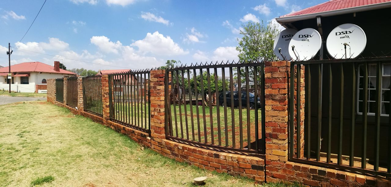 12 Bedroom House For Sale in Roodepoort North